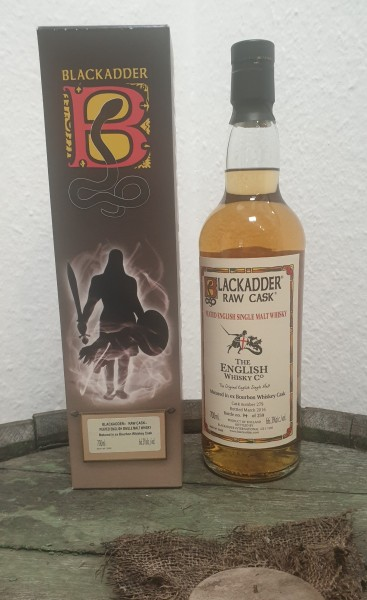 The English peated Single Malt Whisky Blackadder Raw Cask